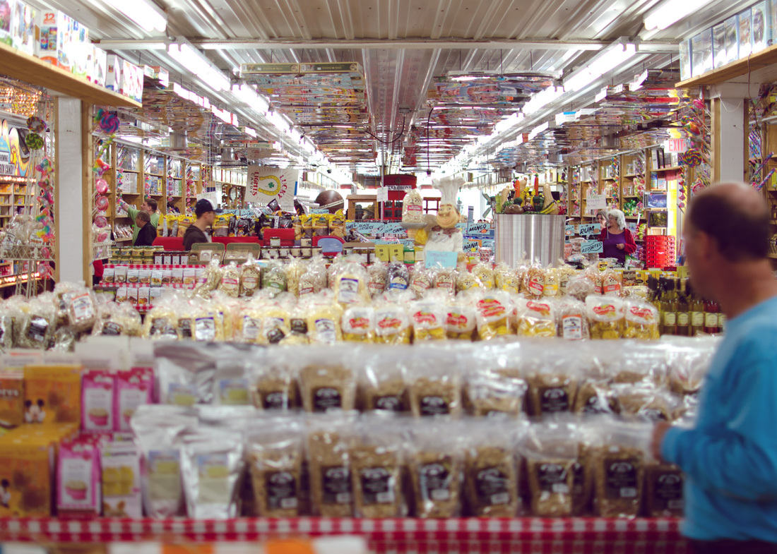 Jim's Apple Orchard Jordan Minnesota, Minnesota's largest candy store